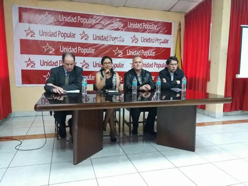 Vicente Albornoz, Natasha Rojas, Diego Borja analistas económicos y Patricio Aldaz