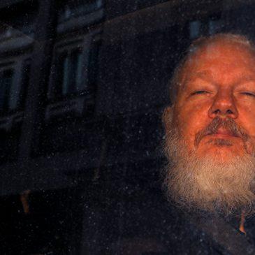 Assange, los informantes y la impunidad para crímenes de EEUU