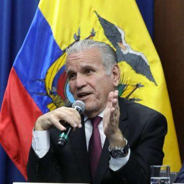 Santiago Cuesta la renuncia del poder detrás del poder