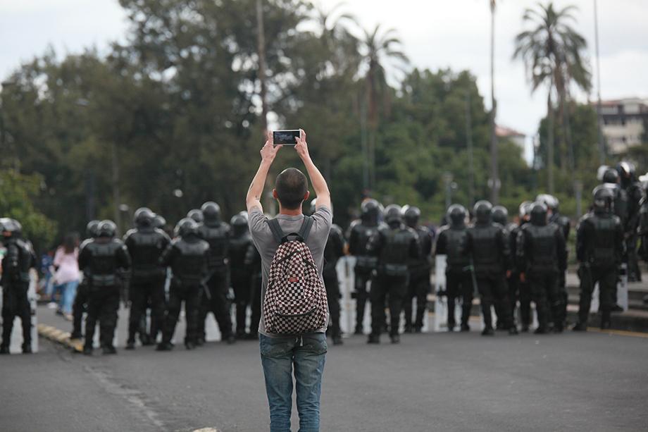 crisis sistemas democráticos